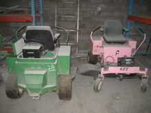 LOT OF LAWN MOWERS AND LAWN MOW