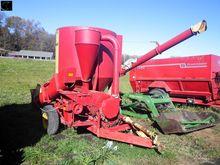 Farmhand 817 Grinder/Mixer