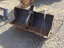 Skid Steer Grapple Bucket
