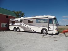 2000 Country Coach 42' Affinity