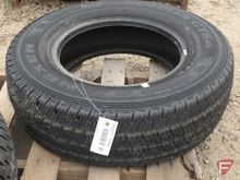Nexen Roadian CT8HL LT225/75 R1