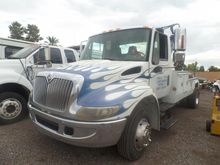 2005 International 4300 Tow Tru