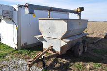 Knoedler 150 bu. Feed Wagon