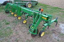 "JD 875 6 row 30"" cultivator"
