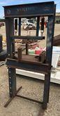 Viking 30 Ton Shop Press
