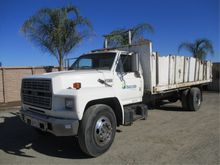 Ford F700 S/A Flatbed Dump Truc