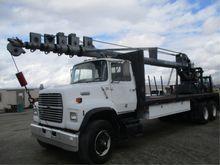 Ford L8000 T/A Crane Truck