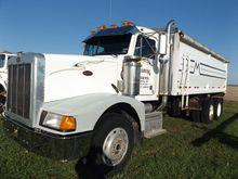 '90 Peterbilt 377 grain truck