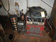 IDEAL ARC R35-250 WELDER WITH L