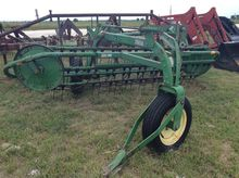 John Deere 74 Side Delivery Rak