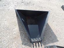 Tomahawk Stump Bucket (3011)