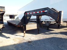 2003 P.J. Trailers 40' T/A Goos