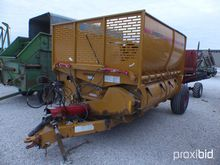 Haybuster 2800 Bale Processor