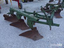 John Deere 3-BTM Plow