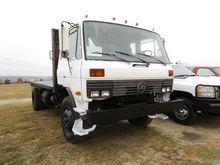 1986 Nissan UD FLATBED DUMP TRU