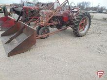 Farmall H tractor with Schwartz