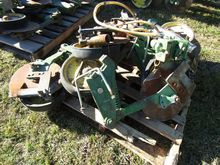 JD Single Disk Fertilizer Opene