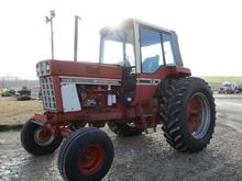 Used IH 1086 Tractor