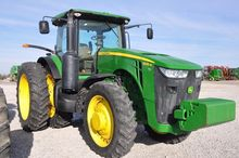 '13 JD 8235R MFWD tractor