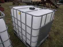 250 Gal Water Tote with Cage