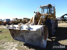 Cat 966D Rubber-tired Loader, s