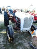 Ford 800 TRACTOR, 2WD, GAS, LIF