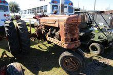 INTERNATIONAL FARMALL TRACTOR