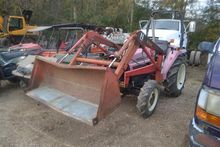 Mahindra 2810 Frontend Loader w