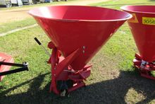 RED HOLLOW 3PT FERTILIZER SPREA