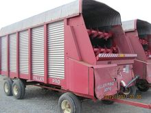 Miller Pro 5200 Forage Wagon, 1
