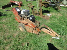 Ditch Witch 1020 Trencher