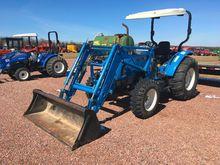 LS U5030 compact tractor; open