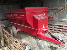 Gehl 7190 feeder wagon