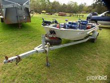 1996 Weldbilt stick steer boat