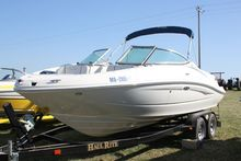 2007 Sea Ray 210 Select W/ Less