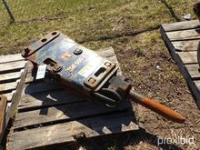 Huskee HH500-2 Hydraulic Demoli