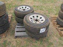 (4) 245/70r17 tires mounted 6 l