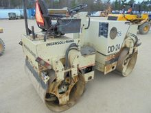IR DD24 Double Drum Compactor