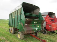 Badger forage wagon, 16' w/ roo