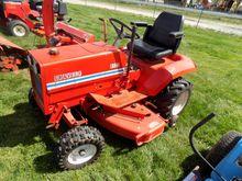 Gravely 8122 Garden Tractor wit