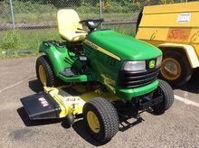 John Deere X720 Riding Lawn Mow