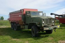 1984 General AM Feed Truck