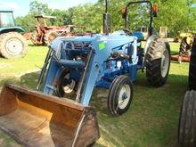 Farmtrac 545 TRACTOR W/ LAODER