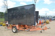 WANCO TRAILER MOUNTED ROAD SIGN
