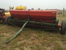 Brillion Surestand 10' Seeder/C