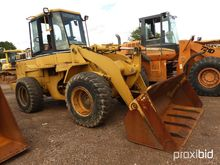 Cat 928F Rubber-tired Loader, s