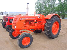 Coop E5 Gas Tractor SN: 50-1393