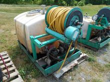 LESCO SKID MT SPRAYER 200 GAL