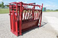 Tarter Cattle Squeeze Chute