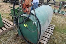 200 Gallon Fuel Tank With Gasbo